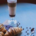 Աշխատանքի մասին մտածելու փոխարեն, եթե ունես հնարավորություն փախիր The Tolma  Առավոտը սկսեք համեղ սուրճով և տեղում թարմ թխվող կրուասաններով :)  ---------------- 📞 Սեղաններն ամրագրելու համար զանգահարել՝ (010) 540540 📍 Հասցեն՝ Թումանյան 19/32 #The_Tolma #Restaurant #coffee #հայկական_ավանդական_ուտեստներ #եվրոպական_և_հայկական_խոհանոց