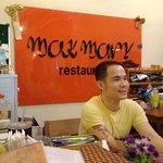 Billede af Mok Mony