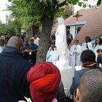 statue de Marie à l'angle de la rue du chevalier de la Barre