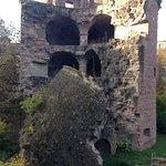 обвалившаяся башня