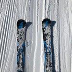 Aunque parezca una chorrada, separar los esquís ha sido un ejercicio fundamental para mejorar la técnica en bajada.