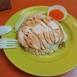 ภาพถ่ายของ Tian Tian Hainanese Curry Rice