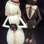 Pièce en chocolat. Couple de marié