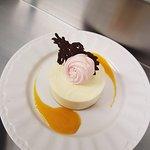 Bavarois au chocolat blanc et cœur aux fruits de la passion