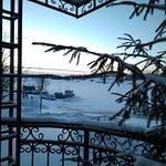 Красивое зимнее утро (у кафе)