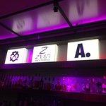 Zest Bar & Terrace Foto