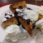 gaufre chocolat, chantilly, boule vanille