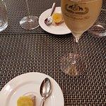 Une coupe de champagne et mis en bouche