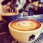 こんにちは!😁 少しずつ春らしくなってきましたが、まだまだ寒いですね😣 ホットラテをはじめ、温かいドリンクをご用意してお待ちしております🥰☕️ テイクアウトも出来ますよ🥤🚶♀️🚶♂️ * * #thevrroomkyoto #cafe #カフェ #vr #京都 #kyoto #カフェラテ #ラテ  #抹茶 #ラテアート #latteart #コーヒー #coffee #京都カフェ #木屋町 #インスタ映え #京都ランチ #おしゃれカフェ #デート #おしゃれ #かわいい  #ハンバーガー #写真好きな人と繋がりたい #ハンドメイド #handmade #ランチ  #coffeestand #スタンド #河原町カフェ #hamburger