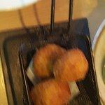 Nuestras croquetas melosas y crujientes de jamón