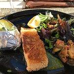 Pave de Saumon roti en croute de sesame