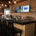 Vue sur notre bar | View of our bar.