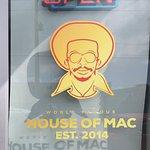 Foto de World Famous House of Mac