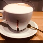 Posiadamy ekspres La Cimbali. Dzięki niemu serwujemy wyśmienitą  włoską kawę  🇮🇹. Zapraszamy