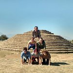 Some of our students do their own version of a pyramid during the weekend excursion to the Guachimontones pyramids.