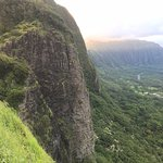 View of the shear cliffs from the Nu'uanu Pali Lookout