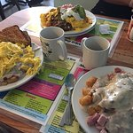 the massive breakfast plates-the tater tot tower is insane