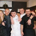 L'équipe au complet : Julie, Guillaume, Sinan, Patrice & Brady !