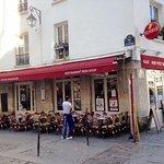 Angle 25 rue Quincampoix . Paris 4è