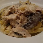 Omg, fettuccine Alfredo with chicken and wild mushrooms, awesome!