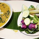 Yellow curry with crab meat