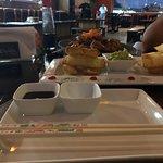 Sushi de pulpo y tequeños