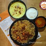 Thank you for your yummy feedback @heyfoodiefam⠀ Biryani has my heart and this was more delicious than I expected.⠀ Absolutely loving it⠀ Moreover the Phirni was ambrosial. ❤️⠀ Thankyou for sending across such lovely dinner @gourmetfoodbowl⠀ .⠀ .⠀ .⠀ #Chandigarh #dinner #zingyzest⠀ #GFBowl #chandigarh #chettinadchickenbiryani