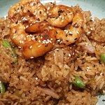 Arroz thai com camarão