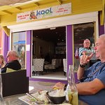 Foto de Kool Vibes Beach Bar & Restaurant
