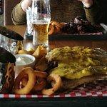 صورة فوتوغرافية لـ RIBS Bar & Grill