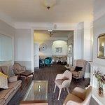 Interior - Ommaroo Hotel Photo