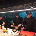 Chef Matteo Pancettit ed il suo team al lavoro
