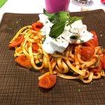 Scialatielli con mozzarella fiordilatte e pomodorini freschi