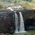 le cascate, quando la diga è chiusa, assomigliano ad un ruscello..
