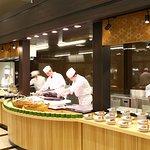 南紀串本レストランの目玉。 まぐろ解体ショーは365日、毎日開催!