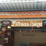Miss Island Bakery & Restaurant照片