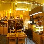 Bilde fra Habemus Vinium! Wine Bar, Grocery & Soul