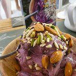 The Roseberry smoothie bowl.