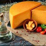 Мартін шойт - один за найпопулярніших сирів власного виробництва які до речі можна замовити тут: https://www.poryadniygazda.com/