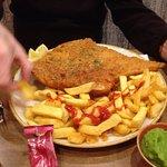 صورة فوتوغرافية لـ Wigmore Fish & Chips & All Day Dining Restaurant And Take Away