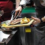 «Каждый день мы открываем двери ресторана, чтобы встретить вас со всем турецким радушием и накормить самыми вкусными блюдами».