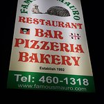 Foto van Famous Mauro's Pizza