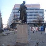 Statue: Gabrielle Petit at place St Jean
