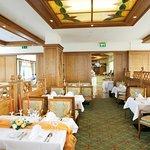 Halbpensions Restaurant in der 6. Etage mit unvergleichlichen Panoramablick auf Binz, die Ostsee und der Binzerbucht.