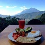 Healthy breakfast in front of the volcanoes!