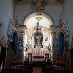 Nave e altar-mor da Igreja das Mercês
