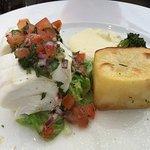 Deilig hvitfisk med potet og grønnsaker