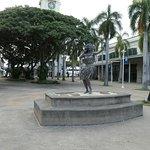 Some nice hula dancer statues