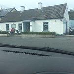 Foto van The Little Cottage Cafe