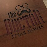 The Doctor Steakhouse resmi
